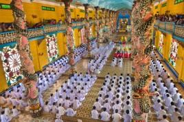 Vietnam • Cao Dai : Les adorateurs du Grand Oeil